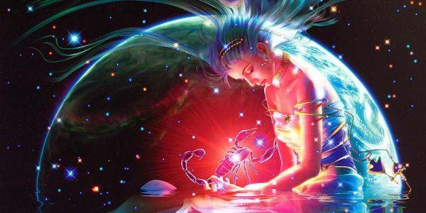 Скорпион на руках девушки на фоне планеты