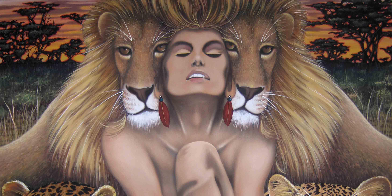 Девушка Лев в окружении хищников