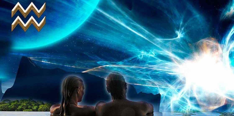 Мужчина и женщина смотрят в космос