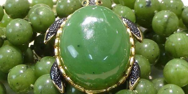 Ожерелье из Нефрита