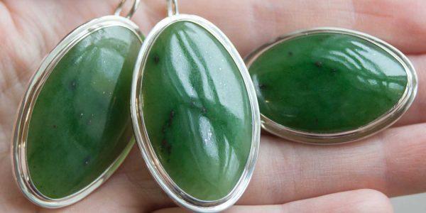 Серьги и кольцо из Нефрита